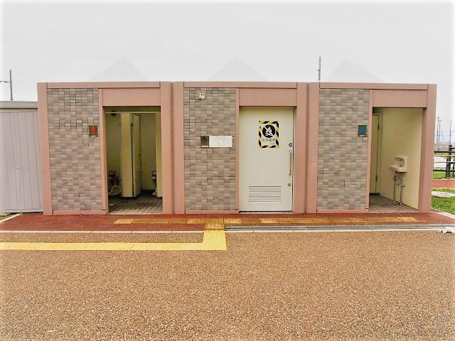 乳幼児のおむつ替えなどができる多目的トイレもあり